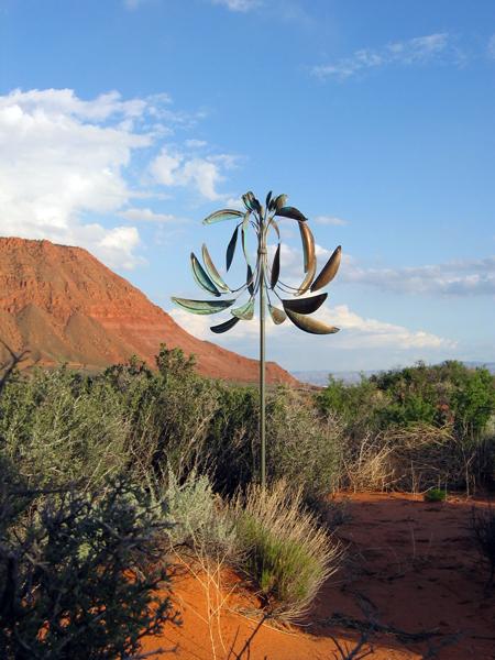 Fluer-de-lis-Wind-Sculpture-Lyman-Whitaker-red-desert