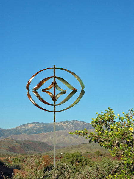 Mirinda-III-Wind-Sculpture-Lyman-Whitaker-blue-sky