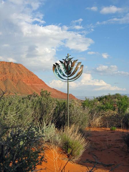Nautilus-Wind-Sculpture-Lyman-Whitaker-red-desert