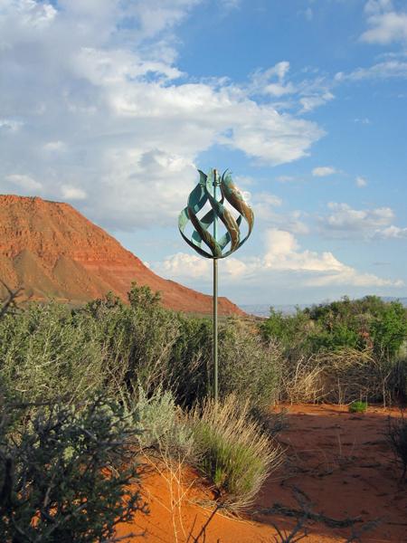Tulip-Wind-Sculpture-by-Lyman-Whitaker-red-desert